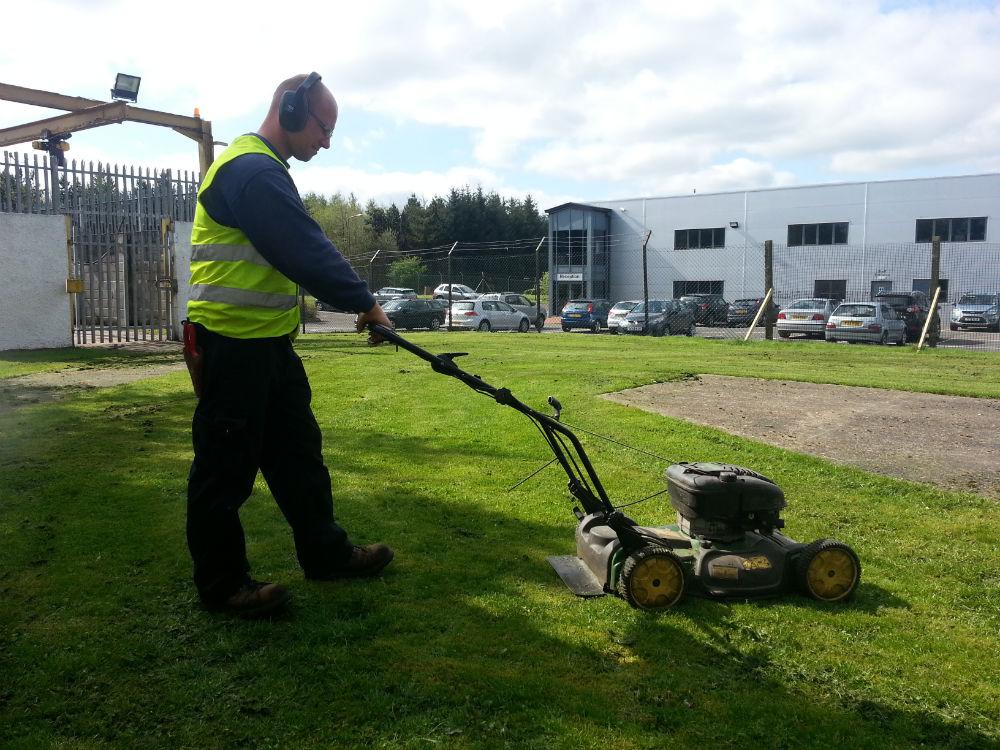 Lawn Cutting Edinburgh